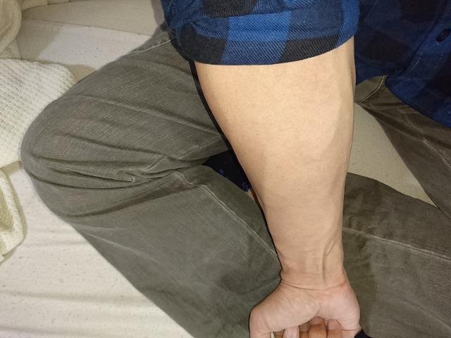 握力強化計画初日の右腕